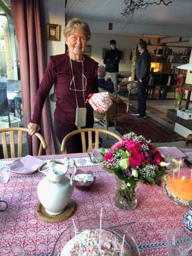 Her er min mor - hun er 80 år idag!